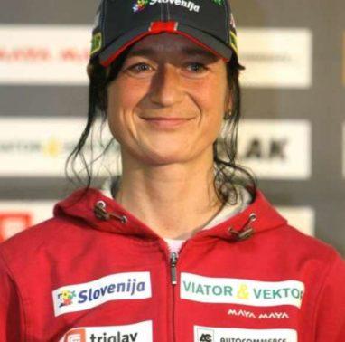 Novinarska konferenca slovenske biatlonske reprezentance. Biatlonka Andreja Koblar.