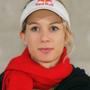 Svetovni pokal v sportnem plezanju. Sportna plezalka Natalija Gros.