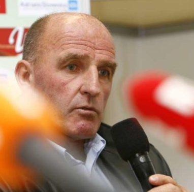 Kvalifikacijska tekma za nastop na nogometnem prvenstvu 2008 med reprezentancama Slovenije in Luksemburga. Selektor Branko Oblak.