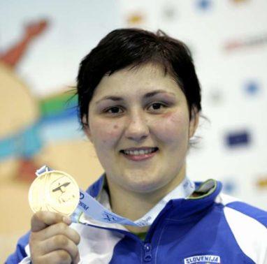 Sredozemske igre 2009, judo. Zadnji dan tekmovanj v judu. Dobitnica zlate kolajne v kategoriji +78kg za zenske Lucija Polavder.