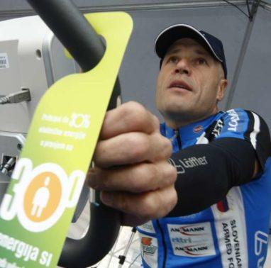 Prireditev na temo Prihranimo do 30% energije s pranjem pri 30 stopinjah Celzija. Ultramaratonski kolesar Jure Robic.