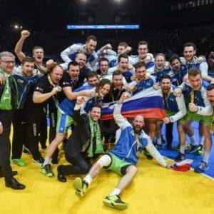Tekma za tretje mesto na svetovnem rokometnem prvenstvu med Slovenijo in Hrvasko. Slovenska rokometna reprezentanca.